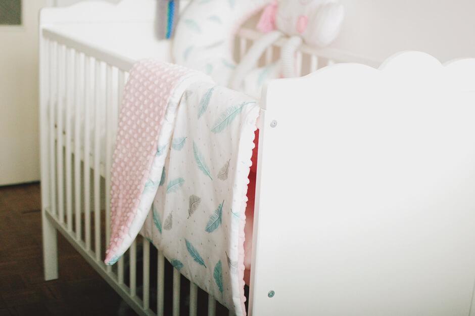Łóżeczko dla małej dziewczynki